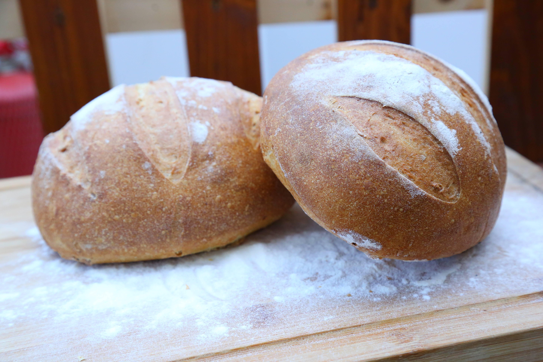 Cosul cu paini - paine cu maia